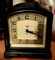 Vintage Smith Sectric Mains Powered 200/250 V Clock With Bakelite Case Corded
