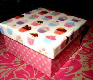 BOITE CADEAU CARTON CUPCAKE rose 9 x 9 x 5 cm NEUVE