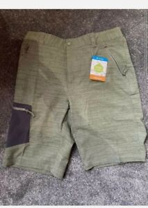 Men's Columbia active Dynamique Khaki Green Shorts with Omni-shield Size Medium