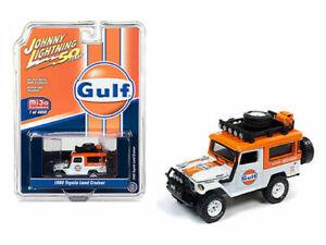 """1980 TOYOTA LAND CRUISER """"GULF"""" ORANGE & WHITE 1/64 BY JOHNNY LIGHTNING JLCP7238"""