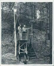 1950 Press Photo Clyde Bedell & His Rail Escalator to Summer Mountaintop Home
