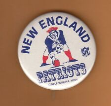 1970's NEW ENGLAND PATRIOTS OLD LOGO STICK PIN BACK BUTTON UNSOLD STOCK
