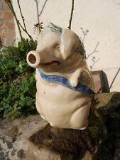 Ancien pichet barbotine Cochon Orchies bandeau bleu
