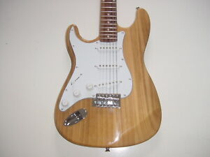 NEW Full Size Left Hand Natural 6 String S Style  Electric Guitar with Gig Bag