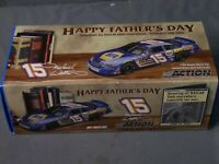 Micheal Waltrip #15 1:24 Napa Father's Day 2004 Nascar Diecast Car Action