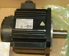 Omron  R88MK1K520CS2,   Motor,  1.5kw, 2000RPM, 205v,    New no Box