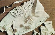 BM008 KNITTING PATTERN BABY MATINEE JACKET HAT AND BOOTEES DK SIZE 18 INS