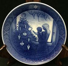 1981 Royal Copenhagen Christmas Plate - Admiring the Christmas Tree