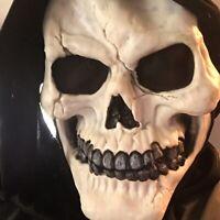 VTG Easter Unlimited Halloween Mask Skull Black Shroud Vanilla Scent Youth Size