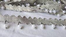 3cm - 1 Metros Blanco Perlas de Plata Brillante Diamante Efecto Flecos de encaje de corte