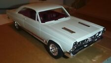 AMT 1966 Ford Fairlane WIMBLEDON WHITE 1/25 MODEL CAR MOUNTAIN PROMO
