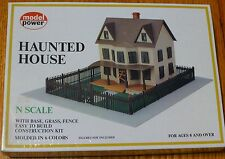 Model Power N #1555 Building Kit w/Fence & Grass Mat -- Haunted House - 5-1/2 x