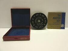 The Master Key Chromatic Pitch Instrument A-440 13 Keys Wm. Kratt Co.