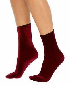 (NWOT) Hue Women's Currant Velvet Crew Socks One Size