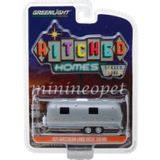 GREENLIGHT 34040 B 1971 AIRSTREAM DOUBLE AXLE LAND YACHT 1/64 SILVER