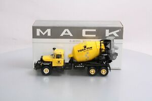 First Gear 19-2392 1:34 Mack Tiger Paw R-Model Cement Mixer