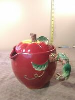 """Shuntai Craft Factory Ceramic Red Apple  Measuring Cup 6"""" tall 3 pour spout 4C"""