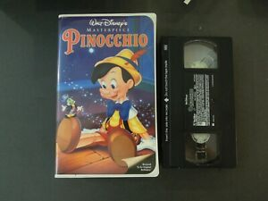 """WALT DISNEY'S """"PINOCCHIO"""" ON VHS IN CLAMSHELL CASE *TCI#R"""
