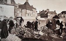BRETAGNE - LESNEVEN: MARCHÉ AUX SABOTS en 1933 - Cliché numéroté de L. Hénault