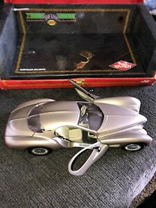 Guiloy 1/18 Scale Diecast - 68570 Chrysler