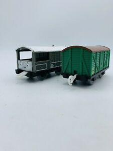 Thomas & Friends Trackmaster 3D Face Toad & XP Vent Van Troublesome Truck 2006