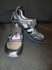 NWOB~TSUBO *Womens 5* Black & Gray/Smooth & Patent Lea. RUNNING FASHION SNEAKERS