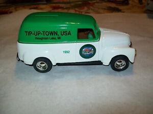 "ERTL #9034 ""TIP UP TOWN U.S.A. HOUGHTON LAKE MI #1"" 1950 CHEVY PANEL VAN MIB"