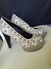 Luxurious Donald J Pliner Beaded Peep-Toe Platform Pumps, Beige/Taupe Sz 7.5