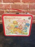 STRAWBERRY SHORTCAKE - Vintage 1981 METAL LUNCH BOX  ALADDIN NO BOTTLE