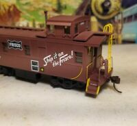 HO Athearn Frisco cupola caboose car,  RTR series, for train set