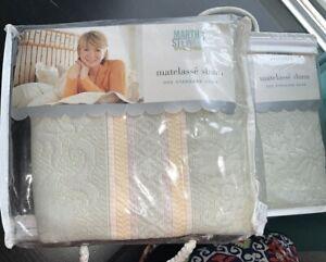 Pillow Sham Floral Matelassé Martha Stewart Everyday Pima Cotton vintage