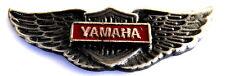 MOTORRAD Pin / Pins - YAMAHA SCHWINGE massiver Metallpin / 3D Optik