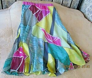 Multi coloured rippled light weight party skirt by CHILLI PEPPER Size 10