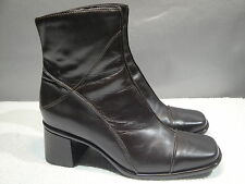 WOMENS 8.5 M CLARKS BROWN LEATHER FASHION CHUNK HEELS ZIPPER BOOTS