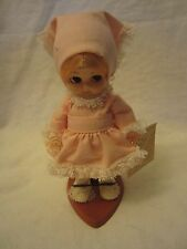 """Vintage 1980's Carlson Small 6"""" Plastic Story Book Doll Wearing Pink No 6-65"""