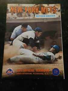 1971 New York Mets Yearbook Revised Edition  July 9 1971 Roster Excellent