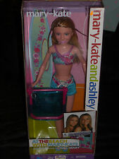 2001 MARY-KATE AND ASHLEY AT THE BEACH WITH MARY-KATE DOLL BY MATTEL!!
