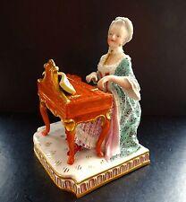 Meissen Dame am Klavier Antike Porzellan Figur Serie 5 Sinne Entwurf Schoenheit
