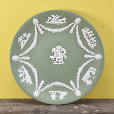 More details for a vintage kitsch green and white jasperware wedgwood plate featuring cherubs