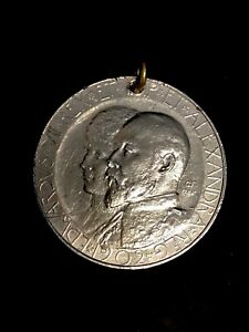 1902 EDWARD & ALEXANDRA CORONATION MEDAL. (GEORGE FRAMPTON) SILVER? WHITE METAL?