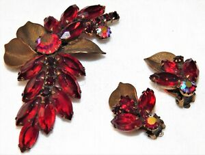 Vintage WEISS Jewelry Red Stone Ruby Red Brooch / Pin & Matching Clip Earrings