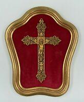 CHRIST EN BRONZE FINEMENT CISELE SUR CADRE VELOURS ROUGEENTOURAGE BOIS H3078