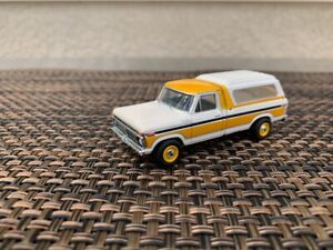 Greenlight 1977 Ford F-100 longbed with shell 1:64