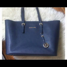 Classy Michael Kors Jet Set Large Tote Navy *Excellent condition