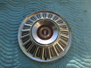 """Vintage 1967 Ford Hubcap Hub Cap 15"""" Very Good Condition"""
