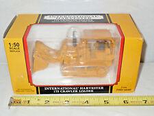 International 175 Crawler/Loader With Multi-Purpose Bucket 1/50th Scale