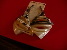 Magpie Conch Shell Earrings