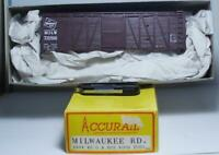 HO Gauge Accurail 4004 40' Outside Braced Box Car Kit Milwaukee Road RR #716966