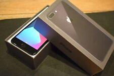 Smartphone Apple iPhone 8 Plus - 64 Go - Gris Sidéral (Désimlocké)