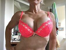 Victoria's Secret bra 32DD Excellent condition 32 DD Hot pinkish/reddish